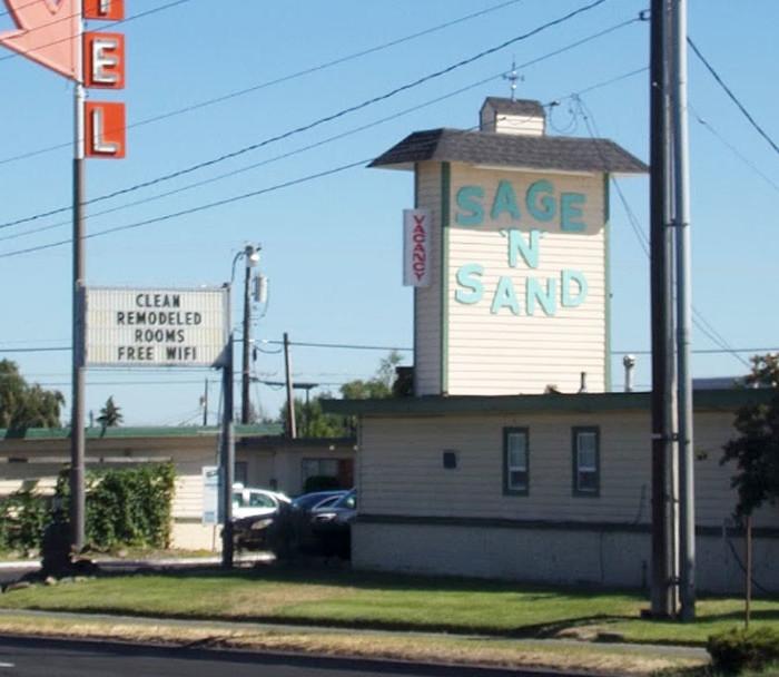 Sage N Sand Motel